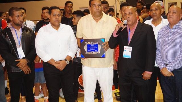 Asociación Basket  provincia Duarte  Juramenta  Comisión Municipal de Baloncesto de Castillo.