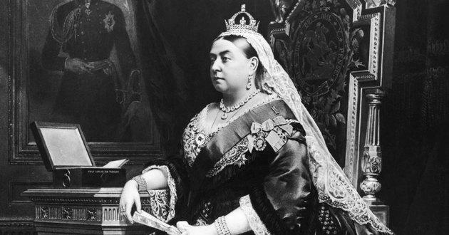 A rainha Vitória retratada em 1882