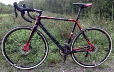 Focus_Mares_Disc_carbon_cyclocross_bike_test_ride_skinwill_Rocket-Ron_complete_non-driveside-600x381