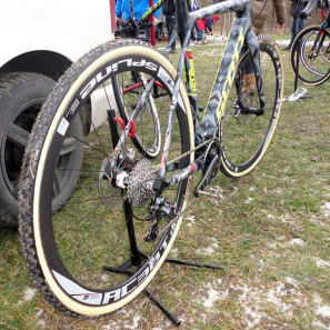 CX-Worlds_Marcel_Wilhaber_Scott-Addict-CX-SL_prototype_carbon_disc-brake_cyclocross_bike_driveside-297x297
