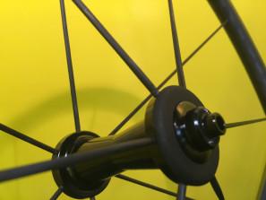 sapim-CX-carbon-fiber-spoke02-297x223