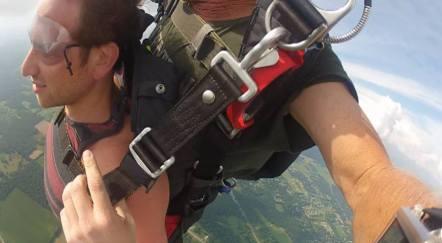 Elijah-Medge-skydiving