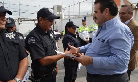 Entregan insignias a policías de San Francisco del Rincón
