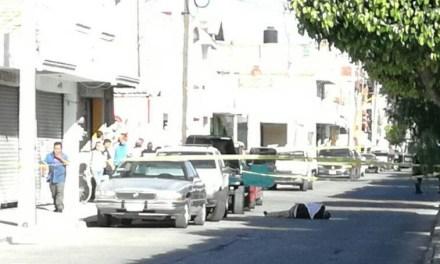 Ejecutan a hombre cerca de bodega Aurrera en San Francisco