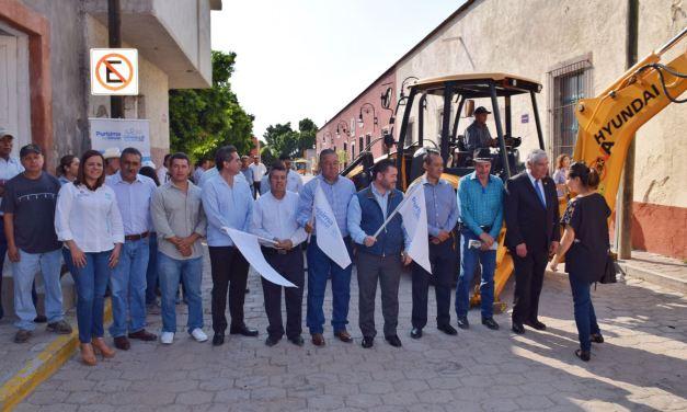 Inauguran obras en Jalpa de Cánovas e invierten 10 MDP más