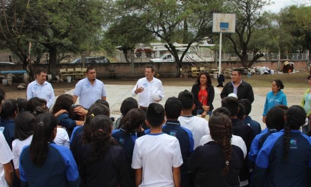 Llevan programas y actividades a el Tecuán
