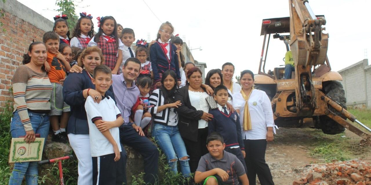 Pavimentan más calles en Manuel Doblado