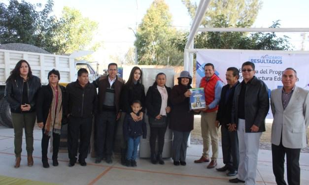 Entregan apoyos a 25 escuelas de Manuel Doblado