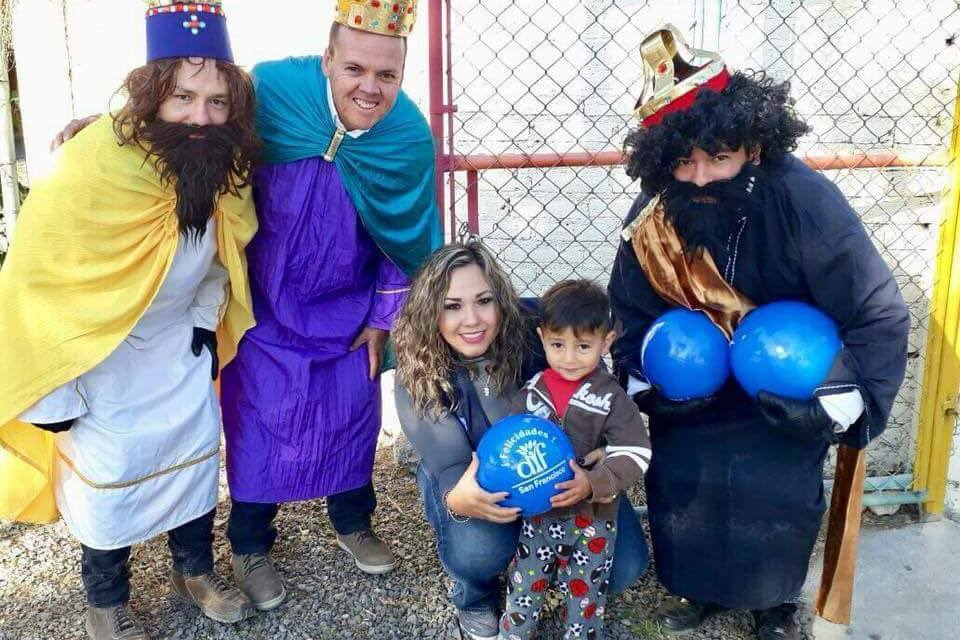 Reparten Reyes Magos más de 6 mil juguetes en San Francisco del Rincón