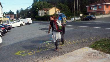 so28c8f1_1-senales-en-a-picarana-camino-portugues