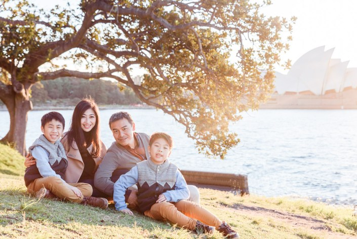 Lady Macquarie's Chair sunset family holiday portrait session