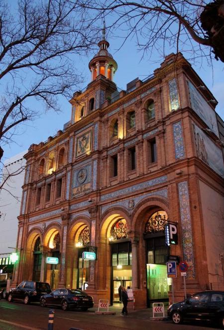 Muchos centros comerciales afrontan en los próximos meses obras de mejora para su reposicionamiento. En la imagen, el Centro Comercial ABC Serrano, cuyo propietario Zambal ha anunciado inversiones para actualizar su aspecto.