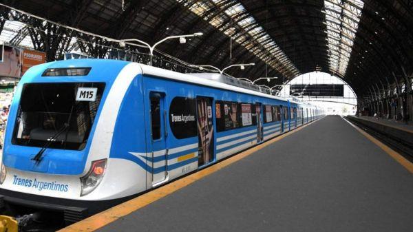 El Ministro de Transporte confirmó que viajaron 400 mil personas menos el viernes