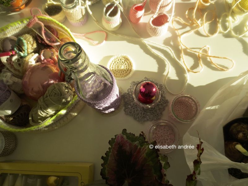 christmas decoration 2013: pink baubles and crocheted baskets