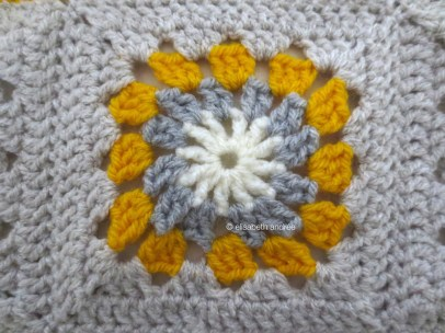 yellow and gray crochet block1