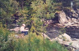 Elisabeth Biström målar akvarell i fjällmiljö