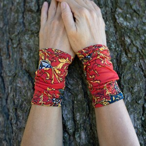 Wrist warmers medieval autumn
