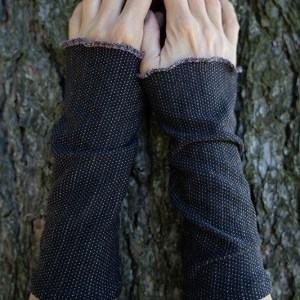 wrist warmers black glittery dots