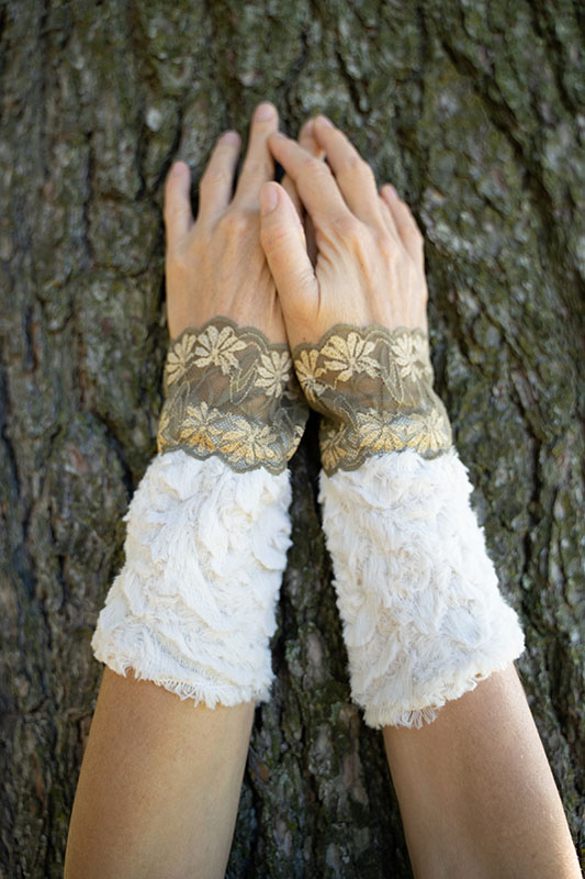 wrist warmers faux fur and lace