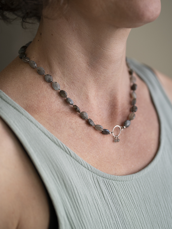 Necklace Labradorite wearing