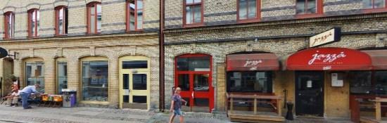 Misshandeln sker på den berömda kroggatan Andra Långgatan i Göteborg foto: hitta.se