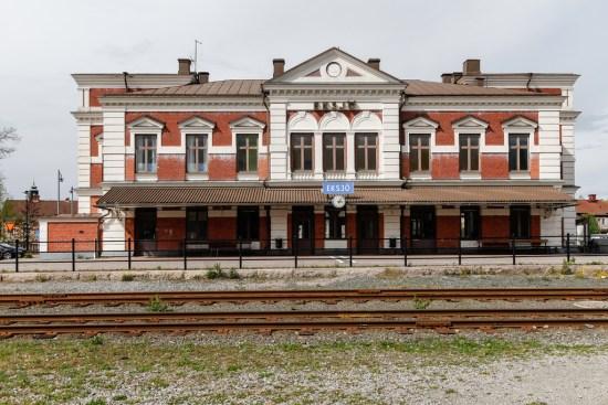 Här på järnvägsstationen i Eksjö misshandlade en man och en kvinna varandra grovt av okänd anledning. Bild: Picssr