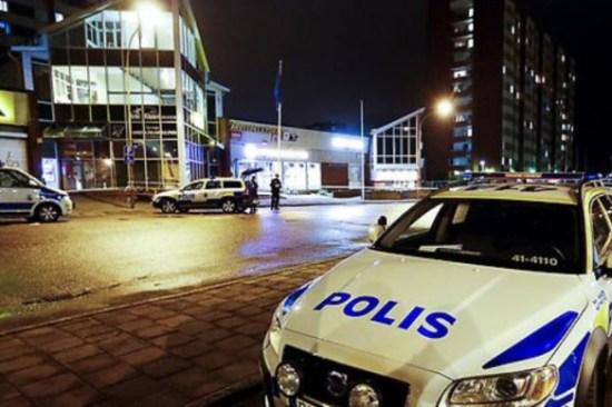 Här i stadsdelen Årby i Eskilstuna skedde skottlossning bara några dagar tidigare. Foto: polisen.se
