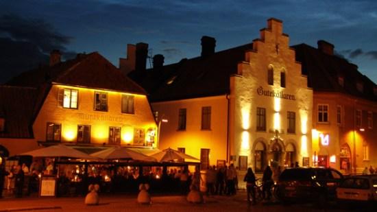En man blir misshandlad och svimmar av i samband med ett bråk på restaurang Munkkällaren i Visby Bild: gotland.net