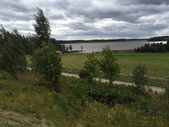 Tre personer misshandlas, varav en grovt, i Kolsva i Västmanland under natten till söndagen. Bild: tripadvisor.se