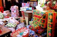 d0417_A-lot-of-presents