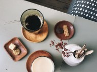 Coffee, milk tea and cookies