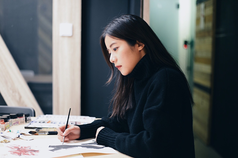 Interview|「也許就是我人生中這一連串的錯過,才造就了現在的我。」台灣時尚插畫家 Jing You 專訪(上)