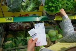 Om vegetarisch te koken hoef je geen dure biowinkel binnen te stappen. In de gewone supermarkt vind je alles wat je nodig hebt.