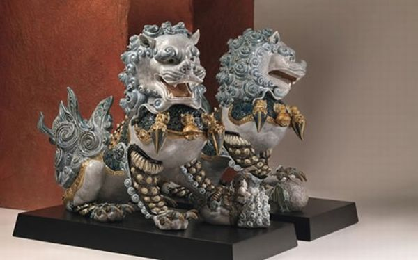 Harrods Bring Fu Lions Out Of China for the Rest of The