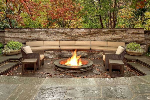 outdoor living areas fire pits