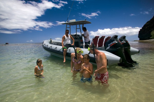 Captain Andy's Na Pali Snorkel Adventure Raft