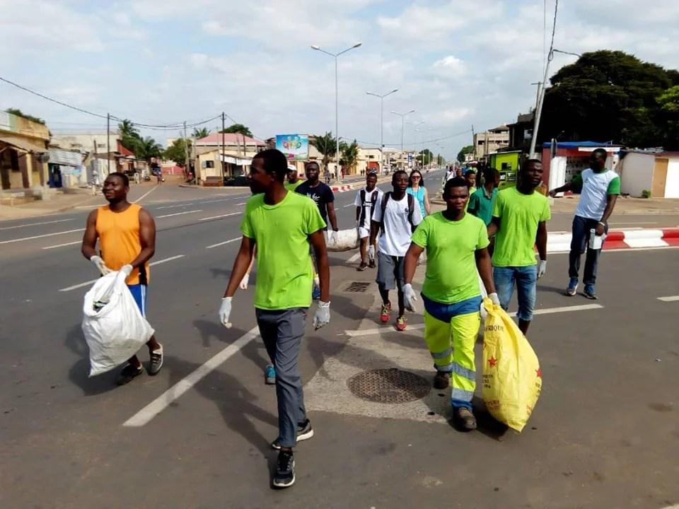 Les Ecojoggers dans les rues de Nukafu à Lomé