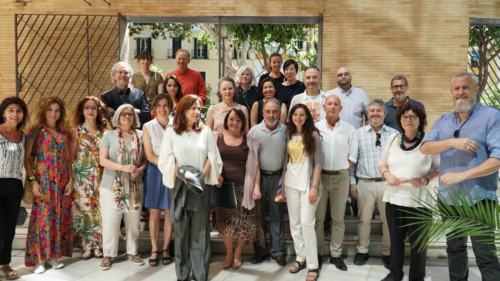 El Colegio de Arquitectos alberga en España la exposición Mimejorobra