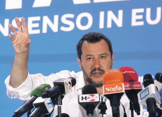 La ultraderecha de Salvini se reune en Roma para protestar contra el gobierno