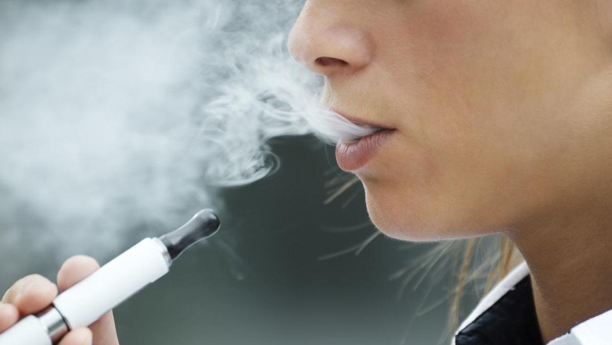 ¿Ayuda el cigarrillo electrónico a dejar de fumar?