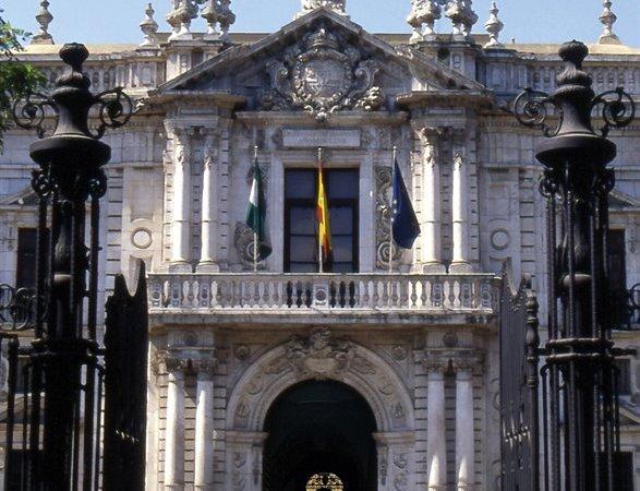 """Muñoz insta a la Universidad a """"ordenar el flujo"""" de visitantes y primar el uso académico del edificio"""