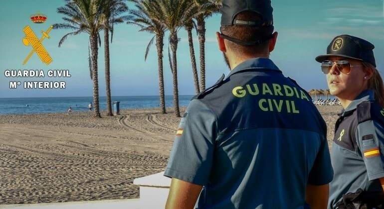 Detenido en Roquetas por agredir con un machete al trabajador de un local de tatuajes