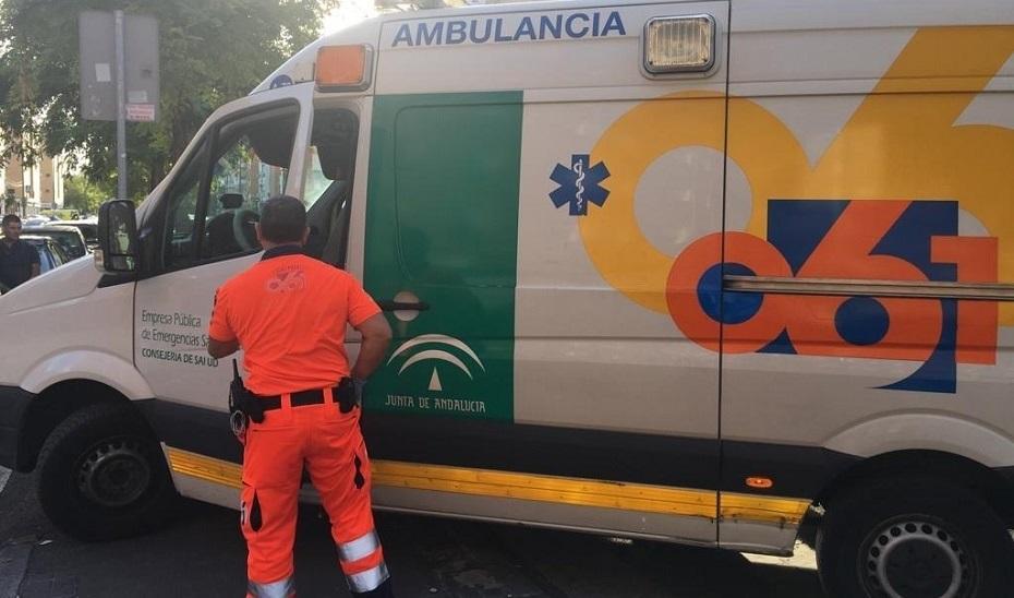 Operadora del 061 ayuda a madre de un bebé en parada a recobrar el latido