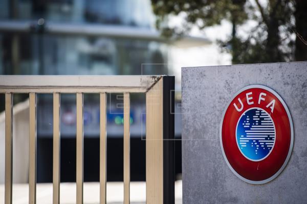 La UEFA aplaza las finales de Liga de Campeones y Liga Europa