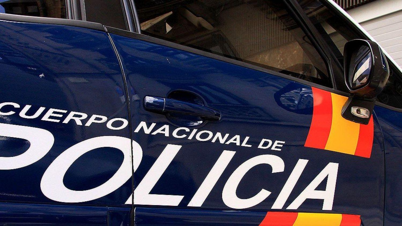 Detienen en Almería a un hombre por grabar a parejas que mantenían relaciones sexuales en el interior de sus vehículos