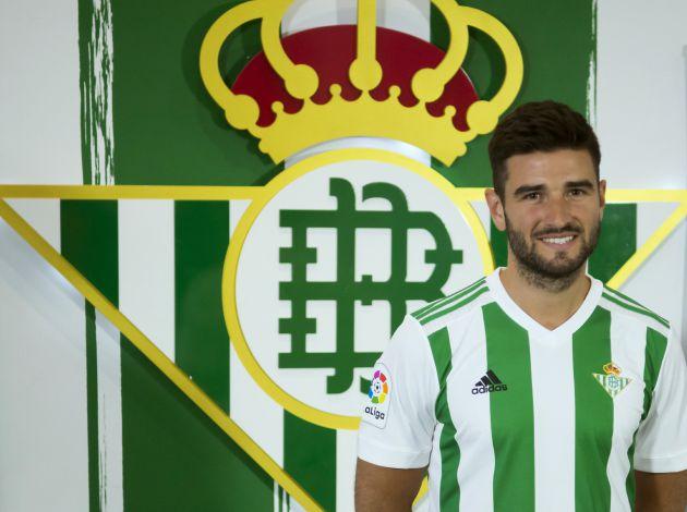 Antonio Barragán, lateral del Betis, se despide de la afición