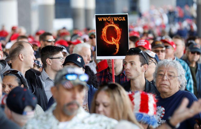 Resurge el movimiento conspiracionista QAnon en Francia