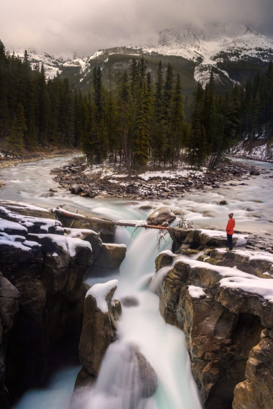 Sunwapta Falls Icefields parkway