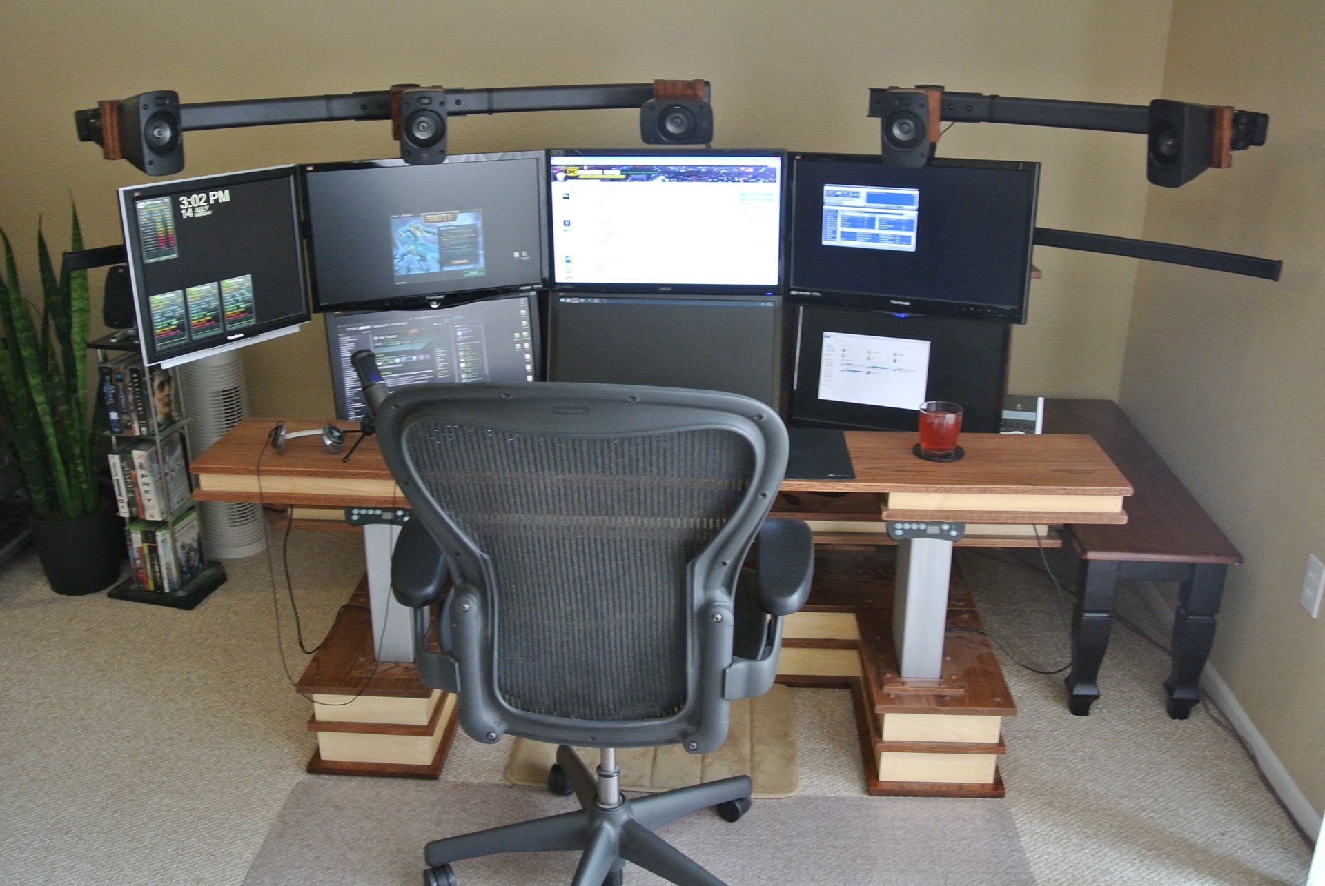 The Official Desk of 1337 Pwnage  The Official Site of