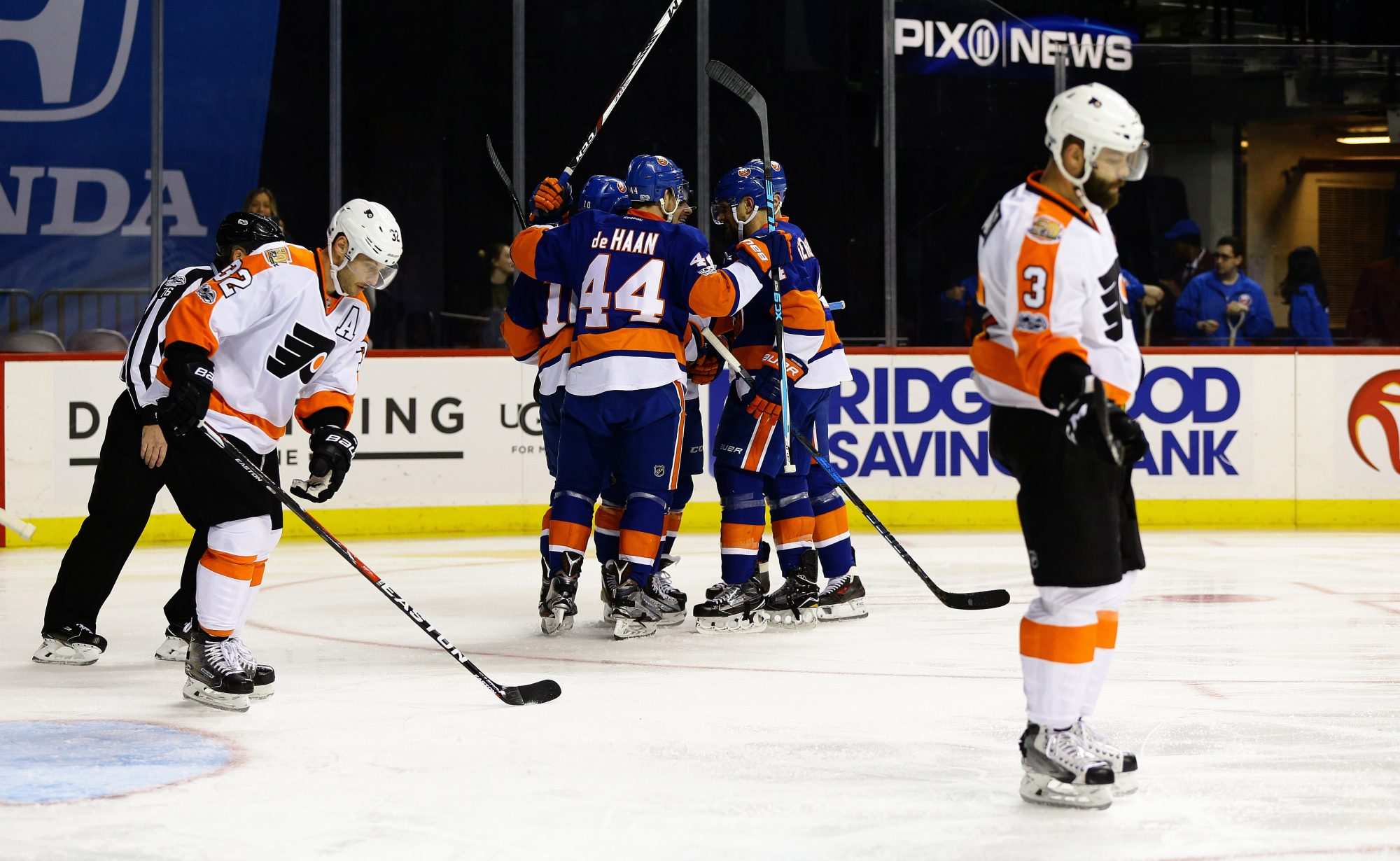 New York Islanders look to bolster defense in Philly, face troubled Flyers